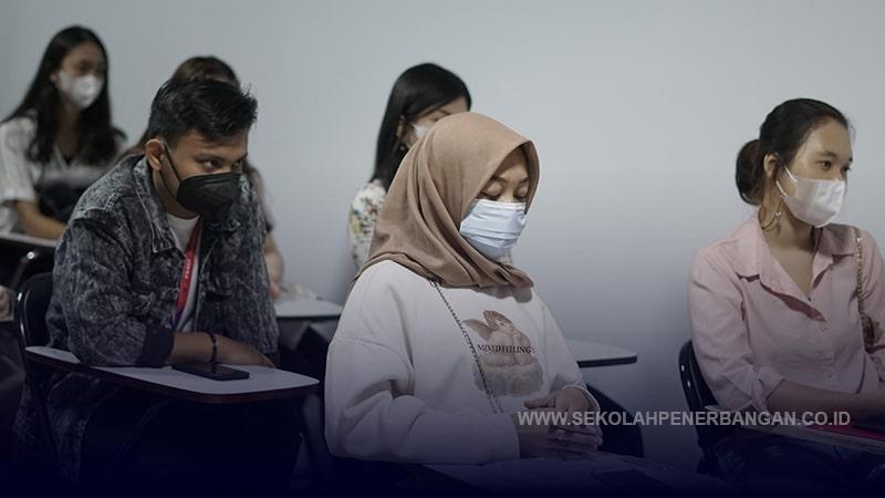 Pembagian Seragam Sekolah Pramugari FAAST Penerbangan Juni 2021